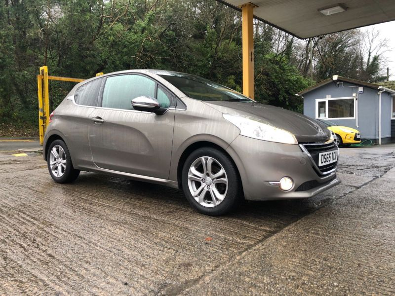 Used PEUGEOT 208 in Gwent, South Wales for sale