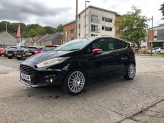 FORD FIESTA ZETEC S BLACK EDITION - 1903 - 3